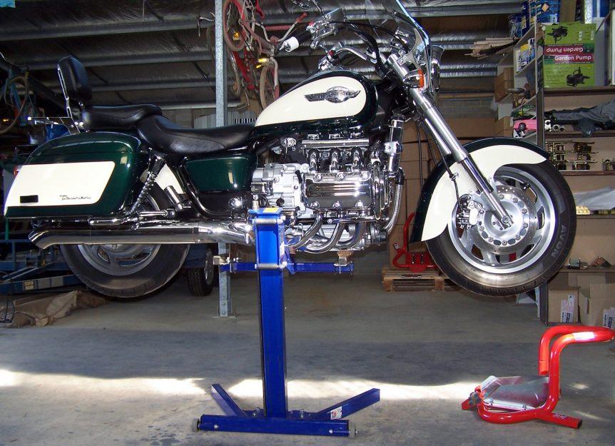 Honda Valkyrie workshop Lift