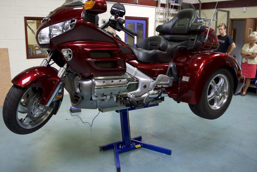 GL1800 Trike Lift